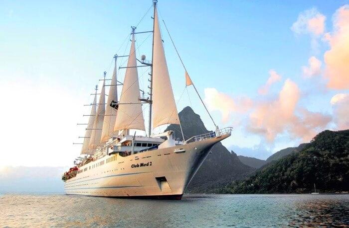 корабль гигант