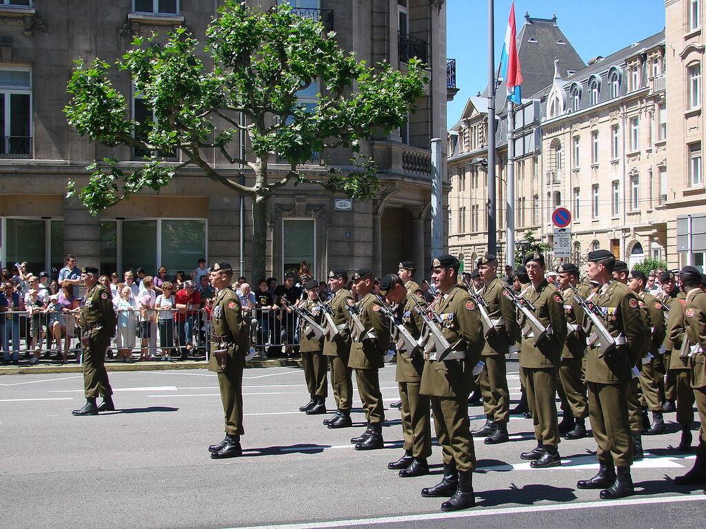 Солдаты Люксембурга на параде