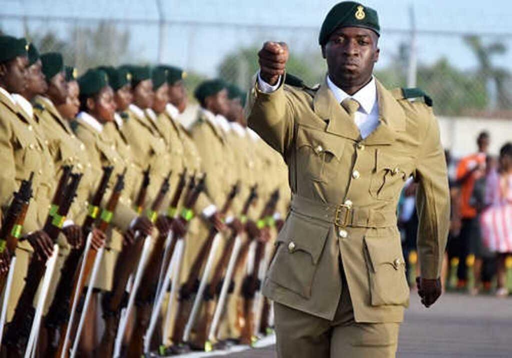 Багамские острова армия